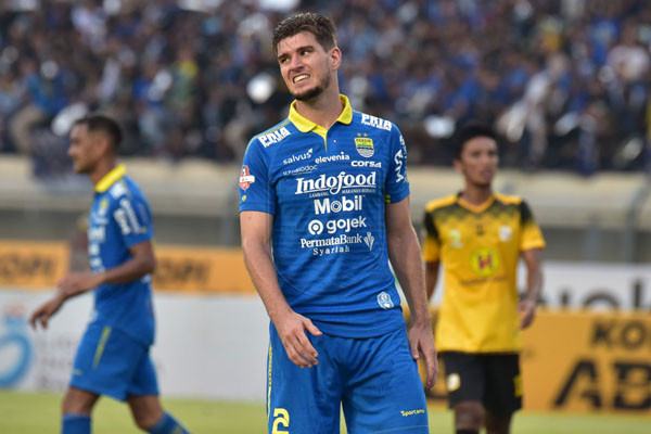 Bek Persib Bandung Nick Kuipers. Foto: Persib
