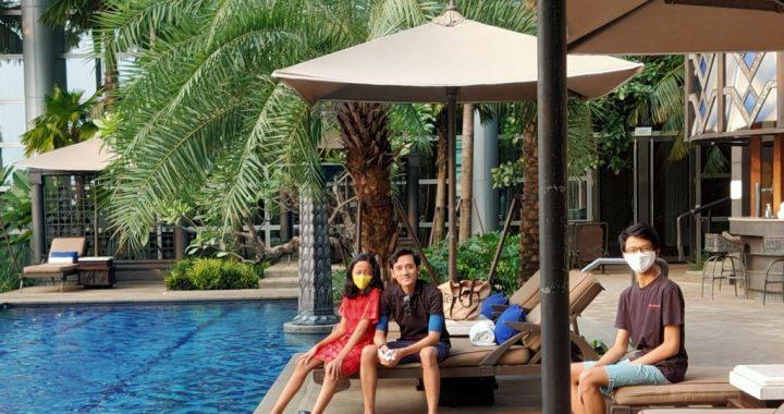 Vesta dan keluarga menikmati liburan. (Foto: Vesta/pribadi)