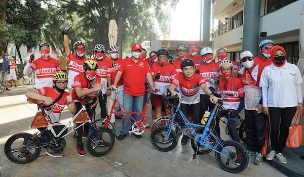 Ketua MPR RI Bambang Soesatyo bersama Gerak BS Fun Bike Club dan Moulton Bicycle Club Indonesia melakukan giat Gowes Sehat dalam rangka memperingati HUT ke-75 RI di Jakarta, Sabtu (22/8/2020). Foto: Humas MPR RI