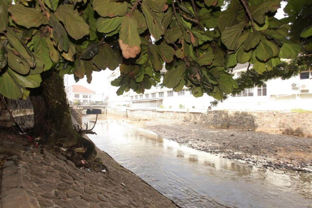 Sungai Cikapundung merupakan sungai purba memiiki panjang 28 kilometer. Sungai ini berhulu di sekitar Gunung Bukit Tunggul di utara Kota Bandung dan bermuara ke Sungai Citarum.* Foto: Humas Bandung