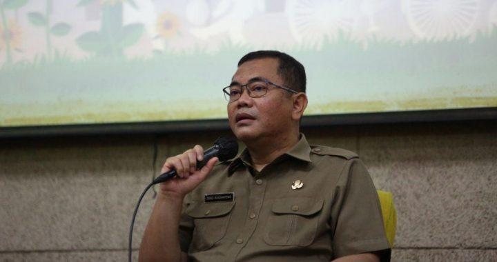 Kepala Dinsosnangkis Tono Rusdiantono dalam Bandung Menjawab di Balai Kota Bandung, Selasa, 20 Oktober 2020.*