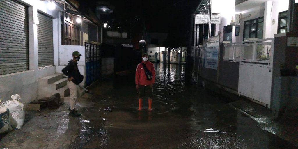 Foto : Intensitas hujan tinggi mengakibatkan empat pemukiman terdampak banjir. (BPBD Kabupaten Bandung)