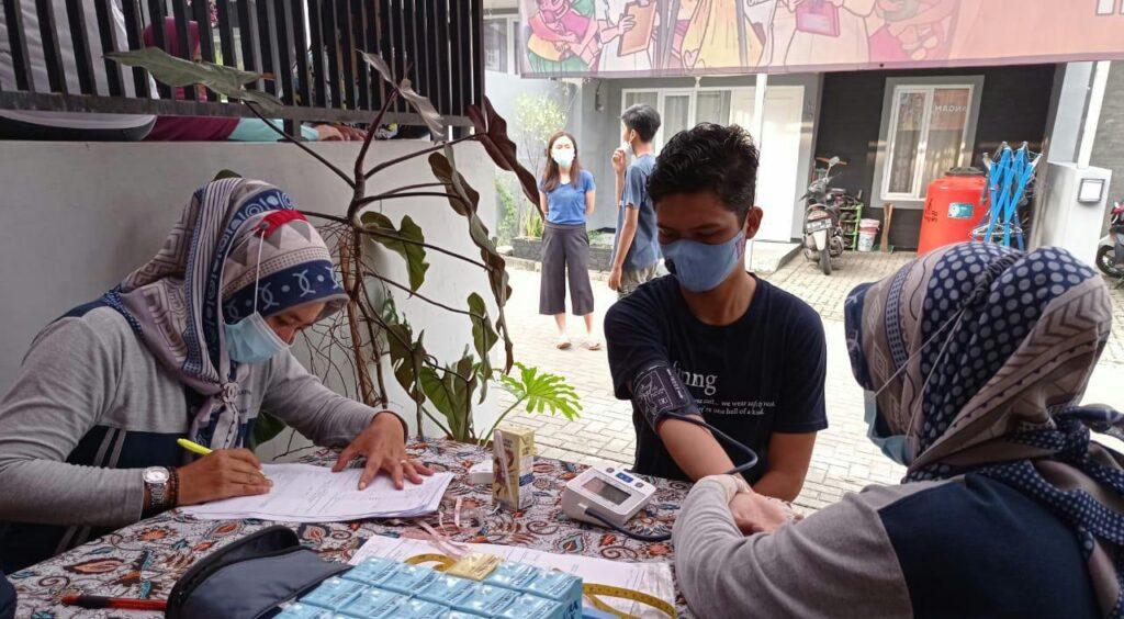 Pemeriksaan Kesehatan Remaja, Sabtu, (20/3/2021) Bumi Parahyangan Cimahi Selatan-Kota Cimahi. Foto: R. Indri Andayani, A.Md