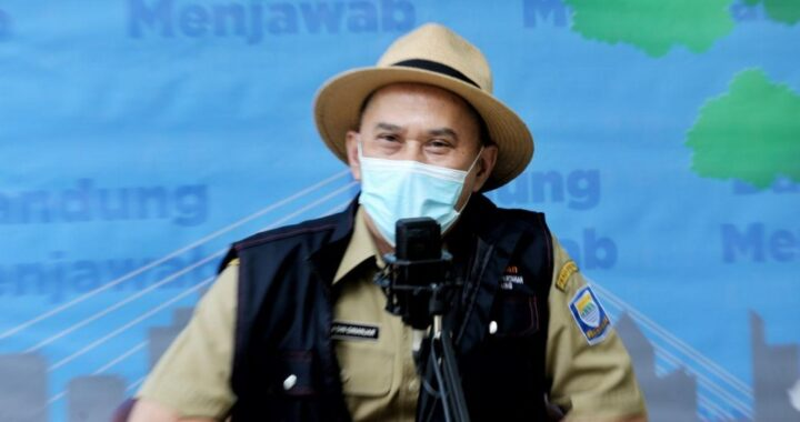 Kepala Dinas Pangan dan Pertanian (Dispangtan) Kota Bandung, Gin Gin Ginanjar pada acara Bandung Menjawab di Balai Kota Bandung, Selasa (2 Maret 2021).*