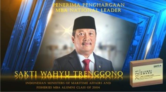 Sakti Wahyu Trenggono meraih Alumni Award MBA ITB