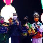 Peraih Medali Karate Nomor Kumite -50 Putri. Pemenang berpose dengan medalinya usai Upacara Penghormatan Pemenang (UPP) Karate Nomor Kumite -50 Kg Putri PON XX Papua di GOR Politeknik Penerbangan, Kayu Batu, Kota Jayapura, Papua, Rabu (13/10/2021). Sharon Verlina Ririhema memperoleh medali emas, disusul Masikhah Surani mendapatkan medali perak, sementara Ester Evelyn Velannnie dan Ida Seri Devi masing-masing memperoleh medali perunggu. Foto: PB PON XX PAPUA/Muhamad Solihin.